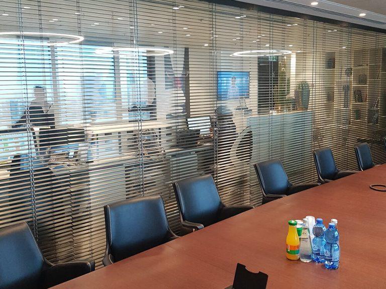 וילונות למשרד ונציאני